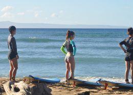 maui surf lessons UkumehameStudentsStandingbyBoardsonBeach