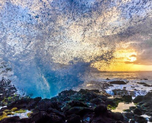 Oahu photography tours wave splash